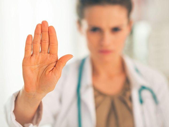 Противопоказания к наращиванию ресниц. 23 причины повременить с процедурой