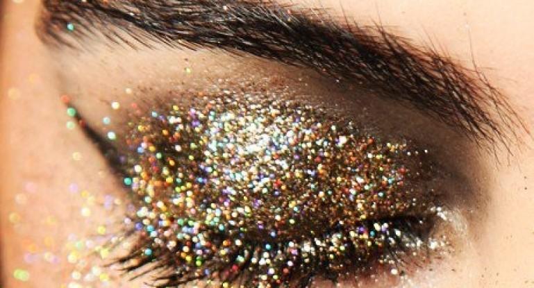 Как наносить макияж с нарощенными ресницами