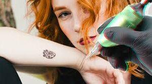 Перманентное украшение своего тела - как выбрать мастера татуажа?